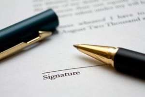 Pen to sign contract