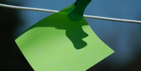 Post-it pegged to a line (header image for Section 3 - Content)